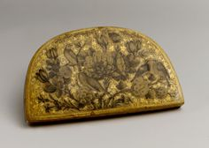 قاب آینه لاکی، نقاشی فتحالله شیرازی، 1295 هجری قمری Lacquer Mirror Case Painting by Fathallah Shirazi  (active 1850s–80s) Object Name: Mirror case Date: dated A.H. 1295/ A.D. 1878 Geography: Iran Medium: Papier-maché; painted, gilded, and lacquered Dimensions: 2 1/2 x 6 1/16 x 3 1/2 in. (6.4 x 15.4 x 8.9 cm)