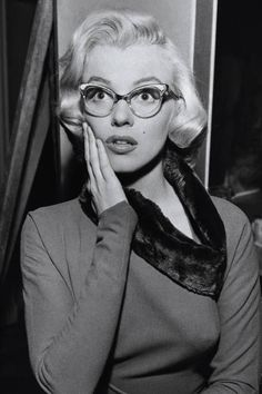 Marilyn Monroe counts as a chic spec icon