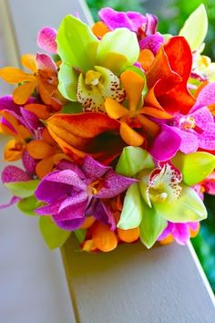 Tropical Bouquets - Tropical Wedding Bouquets | http://simpleweddingstuff.blogspot.com/2014/07/tropical-bouquets-tropical-wedding.html