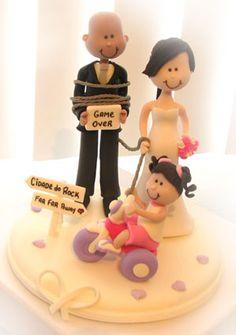Topo de bolo de casamento noivinhos personalizados com a filha