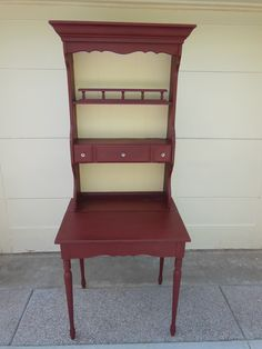 Chalk Paint® decorative paint by Annie Sloan in Primer Red and Cream.
