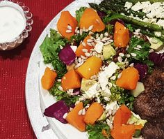 Cabbage, Avocado, Kale and Pumpkin Salad With Tahini Dressing - Banting Recipes Banting Diet, Banting Recipes, Diet Recipes, Pumpkin Salad, Tahini Dressing, Healthy Salads, Kale, Cobb Salad, Side Dishes