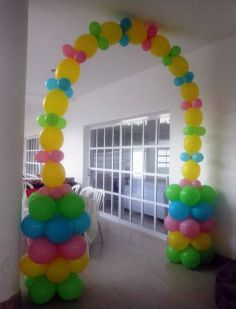 Linkoloon arch with small columns Balloon Tower, Ballon Arch, Balloon Columns, Balloon Garland, 5th Birthday Party Ideas, Birthday Party Decorations, Birthday Parties, Birthday Balloons, Event Decor