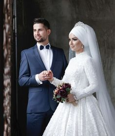 How did we start trying our accessories on our brides? Muslim Wedding Dresses, Wedding Hijab, Wedding Veil, Wedding Gowns, Bridal Hijab, Makeup Hijab, Vintage Hair Pieces, Make Up Studio, The Bride