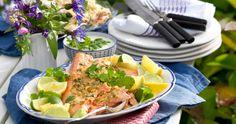 Lägg en lax på grillen! Med en kryddig marinad bli... Cobb Salad, Grill Party, Cilantro, Grilling