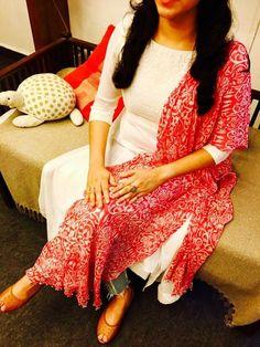 Designs of kurtis Simple Kurta Designs, Kurta Designs Women, Kurti Neck Designs, Dress Neck Designs, Salwar Designs, Kurti Designs Party Wear, Indian Dresses, Indian Outfits, Pakistani Dresses