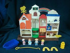Vintage-Little-People-Lot-Lakeside-Tub-Town-Harbor-Village-Boat-Sailer-Boy-Girl