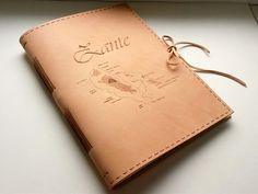 Kožený zápisník - originálny denník, hladenica, ručná práca / handmade book / bookbinding / long stitch / leather journal / notebook / diary / photo album / pyrography / zante / zakhyntos /