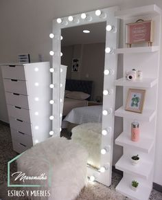 Top Beautiful Teen Room Decor For Girls – Decor Bedroom Decor For Teen Girls, Girl Bedroom Designs, Room Ideas Bedroom, Teen Room Decor, Small Room Bedroom, Teen Bedroom, Pinterest Room Decor, Makeup Room Decor, Makeup Rooms