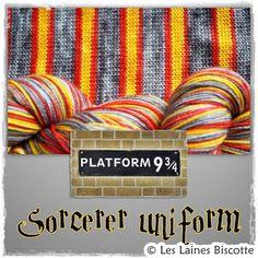 Cette laine est composée à 85% de laine de mérinos lavable à la machine et 15% nylon. D'une douceur inégalée, vous souhaiterez en faire plus que des bas : châl