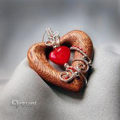 Wire wrap jewelry heart pendant wire jewelry wood by Artual