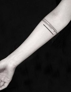 160 Black And Gray Tattoos You'll Wish You Had This Summer - List Inspire Line Tattoo Arm, Straight Line Tattoo, Arm Band Tattoo, Classy Tattoos, Retro Tattoos, Cuff Tattoo, Tattoo Ink, Hand Tattoos, Tatoos