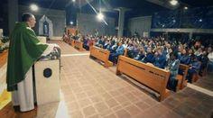 El Papa visitará una parroquia de Roma que paga las facturas de los más pobres 03/04/2018 - 09:49 am .- El Papa Francisco visitará una nueva parroquia de Roma el próximo domingo 15 de abril, continuando así con esta tradición que han realizado los últimos Papas.