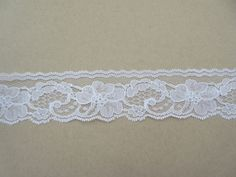 "1-3//4/"" wide White Border Rose Floral Guipure Bridal Lace"