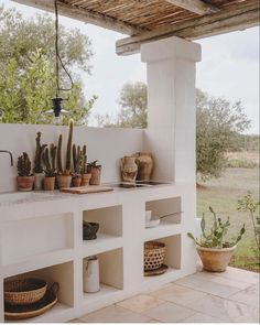 Gravity Home, Spanish Style Homes, Barbacoa, Entryway Tables, Villa, Pergola, Sweet Home, Dining Table, Outdoor Structures