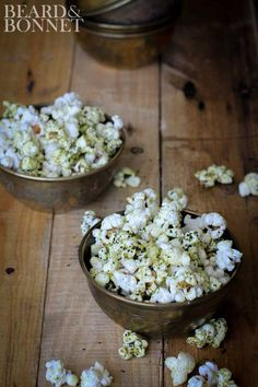 "9 Killer Recipes for Gourmet Make-At-Home Popcorn: ""Cheesy"" Kale Chip Popcorn Delicious Vegan Recipes, Real Food Recipes, Snack Recipes, Healthy Recipes, Appetizer Recipes, Dessert Recipes, Desserts, Vegan Gluten Free, Vegan Vegetarian"