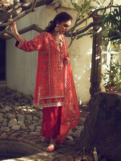 Pakistani Fashion Party Wear, Pakistani Dresses Casual, Pakistani Dress Design, Pakistani Clothing, Dress Indian Style, Indian Dresses, Indian Outfits, Abaya Style, Trendy Dresses