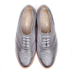 Albi pewter vegan oxford brogue lace up flat shoe made from synthetic faux leather 100% Vegan, vegetarian and cruelty-free. #veganshoes www.beyondskin.co.uk