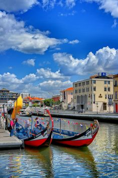 Aveiro Portugal - the portuguese Venice with the traditional Moliceiro boats Visit Portugal, Spain And Portugal, Portugal Travel, Places Around The World, Travel Around The World, Around The Worlds, Algarve, Lonly Planet, Cool Places To Visit