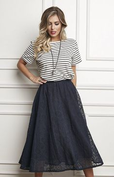 38 Women Casual T shirt Ideas You Will Love Modest Outfits, Skirt Outfits, Stylish Outfits, Dress Skirt, Fashion Outfits, Look Casual, Casual Chic, Modelos Fashion, Vestido Casual