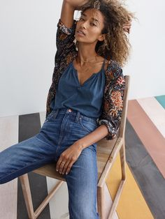 madewell high-rise slim boyjean worn with the shirred split-neck tank top + robe jacket.