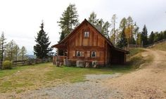 Discover 300 ski cabins, Alpine cabins, chalets and holiday homes in every region of Austria and book your holiday home at the dates of your choice. Cabin, Country, House Styles, Diy Sauna, Home Decor, Chalets, Rustic Cabins, Cottage House, Destinations