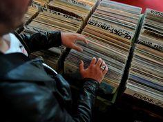 In the U.K., weekly sales of vinyl records exceeded those of digital downloads last week. Vinyl sales amounted for £2.4 million while downloads had £2.1 million in sales