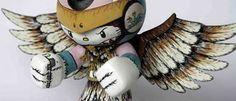 Um dos brinquedos mais populares do mundo, os bonecos Hello Kitty , criados nos anos 70 pela empresa japonesa Sanrio, são verdadeiros ícone...