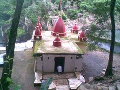 Enjoy scenic beauty of Devkund in Balasore district, the best tourist places in Orissa brings you feeling real beauty of nature, waterfall, best for picnic spot.tour service offered by Shakuntala Travels.@http://shakuntalanivas.com/devkund.html
