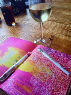 Art journal If you ever thought it would be hard to write all over a beautiful background, you haven't tried a white Signo Uniball pen.they are like a magic wand in your hands & you want to keep writing & doodling for hours! Journal D'art, Wreck This Journal, Art Journal Pages, Art Journals, Journal Ideas, Doodle Inspiration, Art Journal Inspiration, Map Mind, Uniball Pen