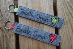 Denim Crafts, Felt Crafts, Diy Bag Designs, Christmas Fair Ideas, Diy Crochet And Knitting, Lavender Bags, Handmade Gift Tags, Diy Keychain, Diy Presents