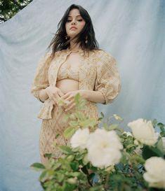 Selena Gomez Alex Russo, Selena Gomez Wallpaper, Hollywood Girls, Marie Gomez, Shraddha Kapoor, Vogue Magazine, Beauty Queens, Sexy Body, Photo S