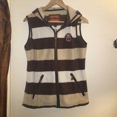 Horseware Ireland Vest. Great condition. Brown, white, & tan Horseware Ireland Vest. Great condition. Price negotiable. Horsewear Jackets & Coats Vests