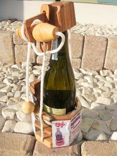 rompicapo con cavatappi: per bere liberare la bottiglia...