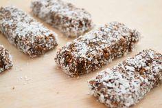Suikervrije mueslirepen met kokos en cacao, gezoet met abrikozen