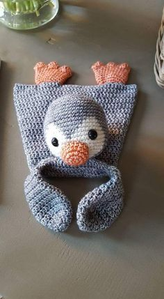 Rag doll from the book Crochet rag dolls a la Sascha. Crochet Penguin, Crochet Lovey, Crochet Baby Toys, Crochet Patterns Amigurumi, Crochet For Kids, Baby Blanket Crochet, Crochet Animals, Diy Crochet, Crochet Crafts