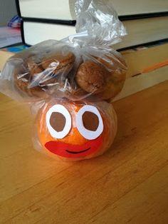 mandarijnenpiet- Kleuterspel.blogsspot.nl Lespakket.nl Kids Lunch For School, Daycare Crafts, Happy Foods, Circus Party, Diy Crafts, Treats, December, Desserts, Sweet Like Candy