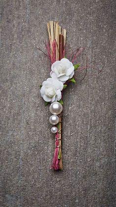 Hochzeitsanstecker Monika - Basteln & Schenken Brooch Pin, Flower Arrangements, Embellishments, Hair Accessories, Diy Crafts, Artist, Flowers, Cards, Inspiration