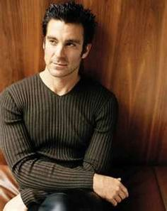Michael T. Weiss as Jarod from The Pretender!!<3 This is one very hot man:-)!!