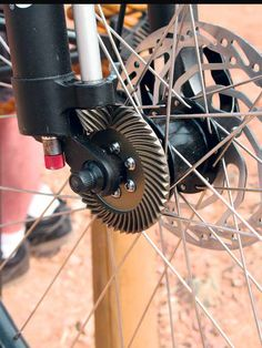 Jeep Rubicon Bike… but the questionis… why? no body know the… Jeep Rubicon Bike… but the questionis… why? no body know the reason of this gear but (a little) may be a good idea Jeep Rubicon, Tricycle, Motorized Bicycle, Bicycle Parts, Pedal Cars, Bike Frame, Bike Art, Cool Bicycles, Bicycle Design