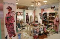New rental kimono store for foreigners opens in Harajuku