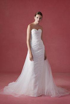 Tendance Robe du mariée  2017/2018  Oscar de la Renta Wedding Dress  Fall 2016  Brides.com