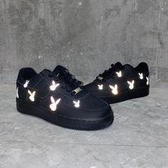 Nike Shoes Photo, Cute Nike Shoes, Cute Nikes, Custom Design Shoes, Custom Shoes, Nike Shoes Air Force, Jordan Shoes Girls, Aesthetic Shoes, Fresh Shoes