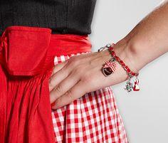 Charm-Armband mit #Dirndl, #Brezel, Edelweiß, #Herz und Hirschkopf für €14,95 bei #Tchibo