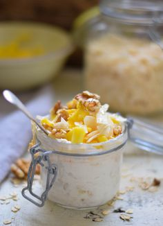 Honey Mango & nuts By Tiina Hälvä Shredded Coconut, Mango, Overnight Oats, Raw Food Recipes, Coconut Milk, Food Photo, Macaroni And Cheese, Ethnic Recipes, Desserts