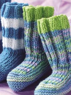 knitted baby footies  http://www.e-patternscentral.com/detail.html?code=ESK0037source=KEPOTDE