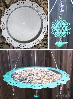 Yard Art Ideas Craft Projects Bird Feeders 32 Ideas For 2019 Garden Crafts, Garden Projects, Craft Projects, Outdoor Projects, Outdoor Decor, Outdoor Planters, Outdoor Gardens, Diy Bird Feeder, Silver Trays