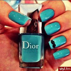 Mustache bleu dior nails vernis a ongle Blue Acrylic Nails, Acrylic Nail Designs, Blue Nails, Sexy Nails, Fancy Nails, Pretty Nails, Nail Swag, Mustache Nails, Dior Nails