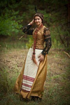 "LARP ""Ruina"". Ukraine,2012. I'm as the sister of ukranian cossacks getman Doroshenko. The costume made by Ryzhervind ( the skirt, corsage and apron) Photographer - Konstantin Sirotkin"