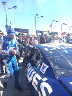"""Team Lowe's Racing on Twitter: """"EARLIER: Johnson jumps into his @Lowes Chevy following pre-race ceremonies. He seeks his first win @ChicagolndSpdwy. (Twitter: Team Lowe's Racing @LowesRacing)"""